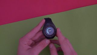 Smartwatch-I7-estetica-320x180 Il miglior smartwatch sotto i 18 € Recensioni